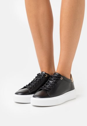 SHIMMAH - Trainers - black