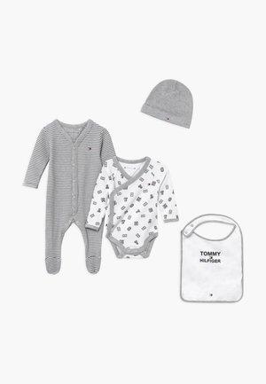 BABY PREPPY GIFTBOX SET - Bonnet - blue