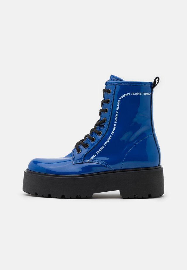 LACE UP BOOT - Enkellaarsjes met plateauzool - providence blue
