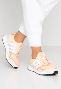 adidas Performance - ULTRABOOST S&L - Joggesko - glow ora/offwhite/semi core - 0