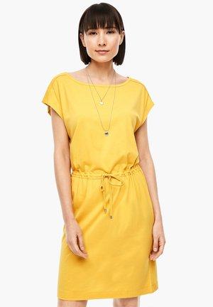 MIT TUNNELZUG-BUND - Jersey dress - yellow