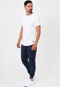 INDICODE JEANS - Pantalon de survêtement - navy mix - 1