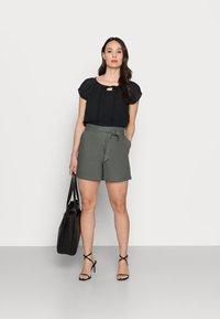 Re.draft - Shorts - olive khaki - 1