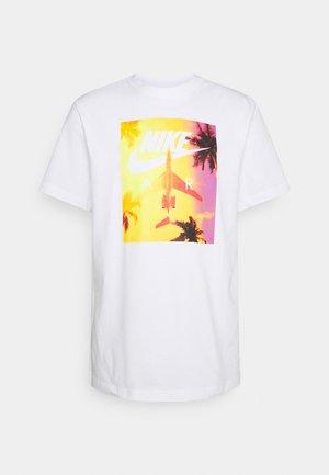 TEE BY AIR PHOTO - T-shirt imprimé - white