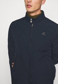 GANT - QUILTED WINDCHEATER - Chaqueta de entretiempo - evening blue - 5