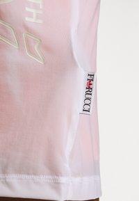 adidas Originals - DRESS - Jersey dress - white - 3