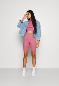 Missguided - RACER NECK CROP AND CYCLING SET - Shorts - pink - 1