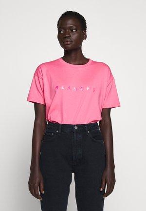MAIN HOLOGRAM - Triko spotiskem - think pink
