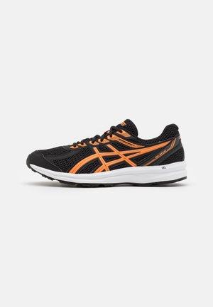 GEL-BRAID - Neutrálna bežecká obuv - black/shocking orange