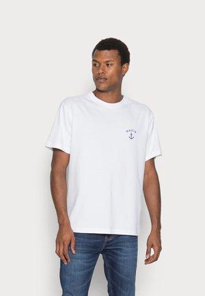 FOLKE - Jednoduché triko - white