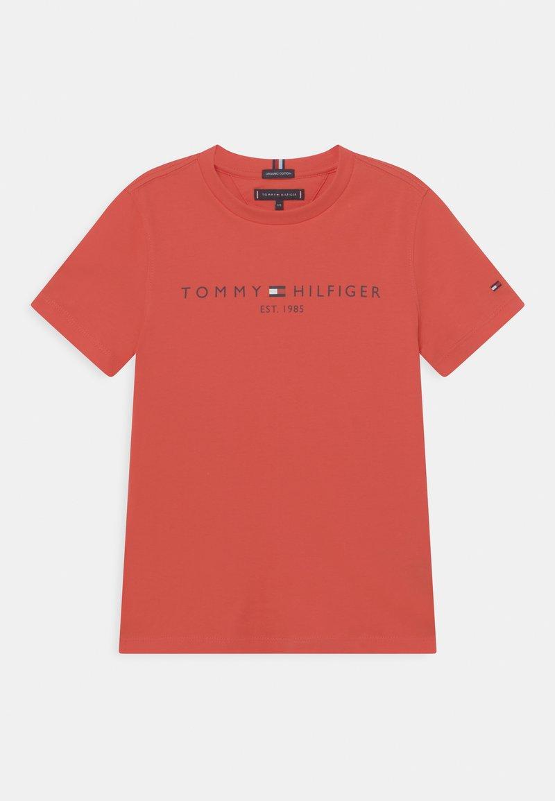 Tommy Hilfiger - ESSENTIAL LOGO UNISEX - Print T-shirt - daring scarlet