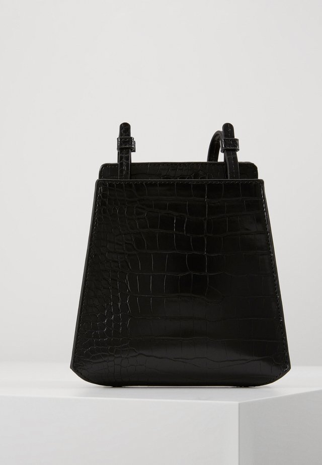 PEYTON - Across body bag - black croco