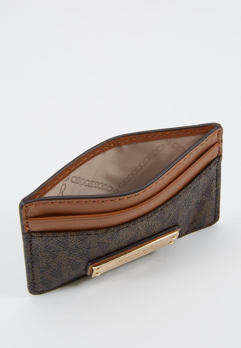 michael kors plånbok brun