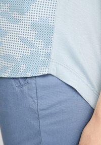 s.Oliver - Print T-shirt - light blue aop - 6