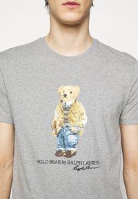 Polo Ralph Lauren - Print T-shirt - andover heather - 4