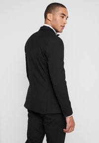 Isaac Dewhirst - BASIC TUX - Costume - black - 3