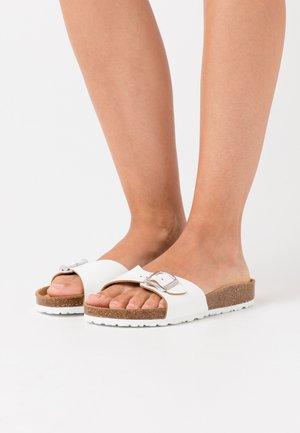 TAMARIS - Domácí obuv - white
