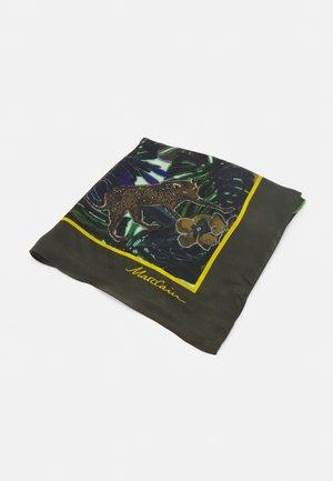 Šátek - sludge
