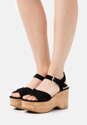 JASPER - Sandalias con plataforma - black