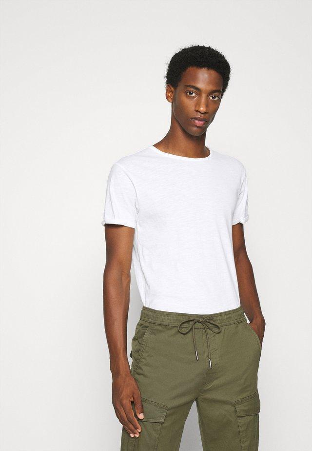ALAIN - T-shirt basic - offwhite