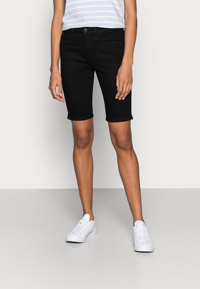 Tommy Hilfiger - DENIM VENICE SLIM BERMUDA - Denim shorts - denim