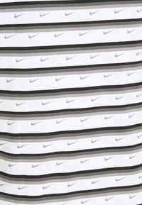 Nike Sportswear - Print T-shirt - white/black/iron grey - 2
