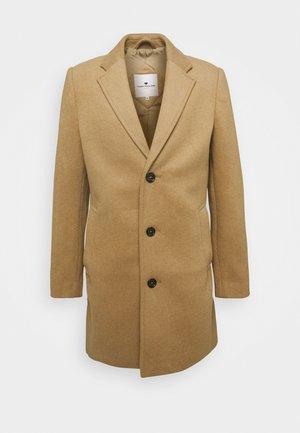 COAT THREE BUTTONS - Zimní kabát - beige