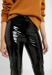 Missguided Tall - ZIP DETAIL TROUSERS - Stoffhose - black - 4