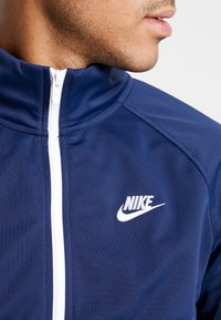 Nike Sportswear - SUIT - Tracksuit - midnight navy/white - 6