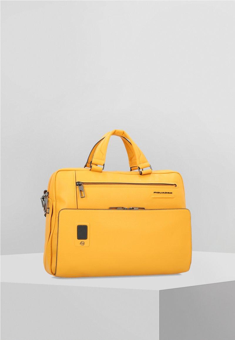 Piquadro - AKRON  - Briefcase - yellow