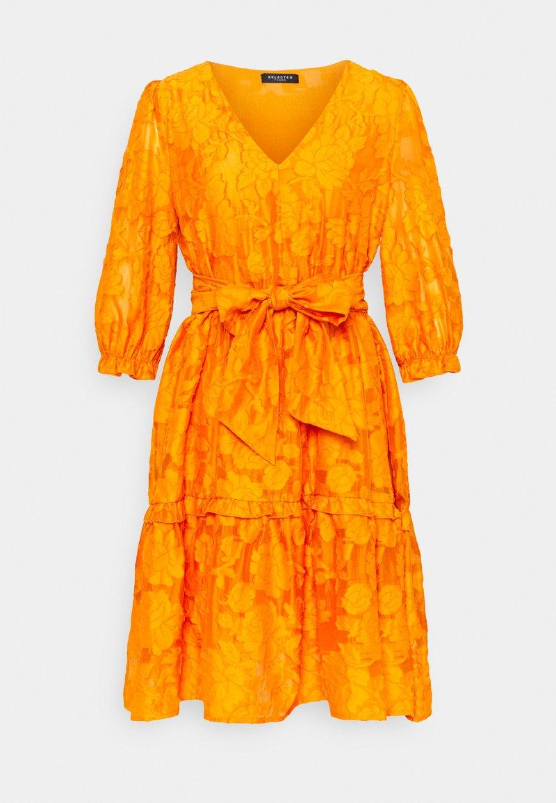 Selected Femme - SLFSADIE VNECK  - Day dress - dark cheddar