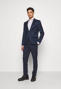 Eton - SLIM FIT - Kostymskjorta - white/blue - 1