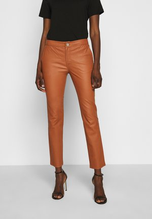 LEYA - Leather trousers - mocha bisque