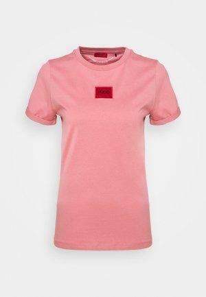THE SLIM TEE - Print T-shirt - rose