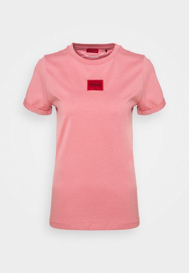 THE SLIM TEE - T-shirt imprimé - rose