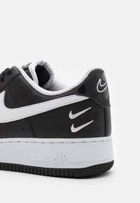 Nike Sportswear - AIR FORCE 1 '07 - Sneakers laag - black/white/anthracite - 5
