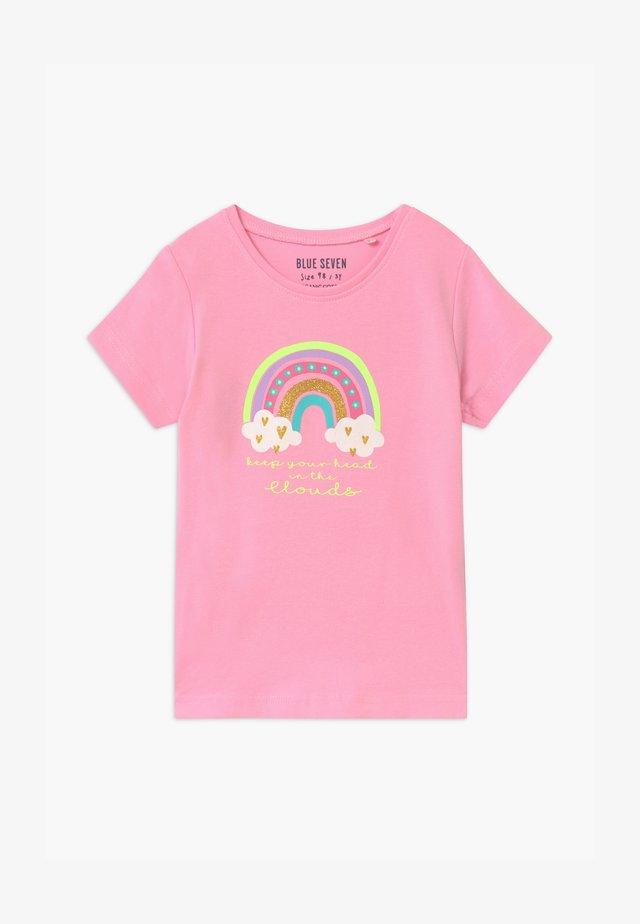 SMALL GIRLS RAINBOW - T-shirts med print - azalee