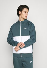 Nike Sportswear - SUIT SET - Tuta - ash green/white - 0