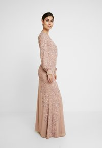 Maya Deluxe - FLORAL EMBELLISHED MAXI DRESS WITH BISHOP SLEEVES - Galajurk - pale mauve - 2