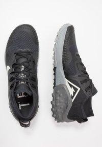 Nike Performance - WILDHORSE 6 - Běžecké boty do terénu - off noir/spruce aura/black/iron grey - 1