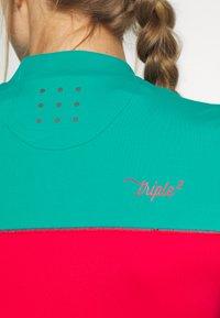 Triple2 - OCEAN WASTE ECONYL WOMEN - T-Shirt print - hibiscus - 6