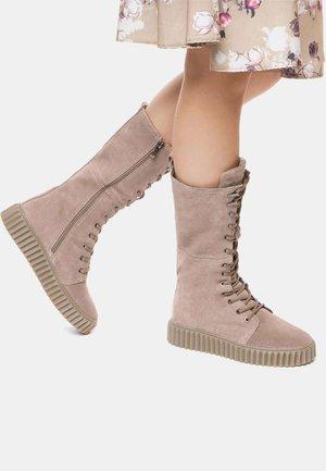 Platform boots - dark beige