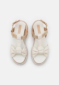 LIU JO - Korkeakorkoiset sandaalit - white/light gold - 5
