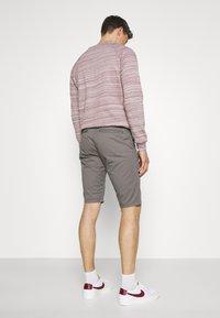 TOM TAILOR - JOSH  - Shorts - castlerock grey - 2