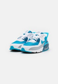 Nike Sportswear - AIR MAX 90 FLYEASE  UNISEX - Tenisky - white/laser blue/industrial blue - 1
