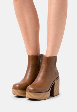 SETENTA - High heeled ankle boots - brown