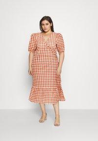 Vero Moda Curve - VMTAMITTA MIDI DRESS - Day dress - chutney - 1