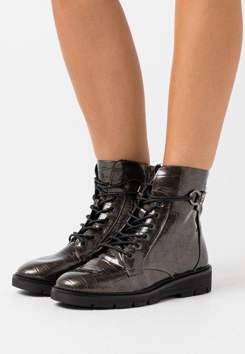 s.Oliver - Šněrovací kotníkové boty - dark grey