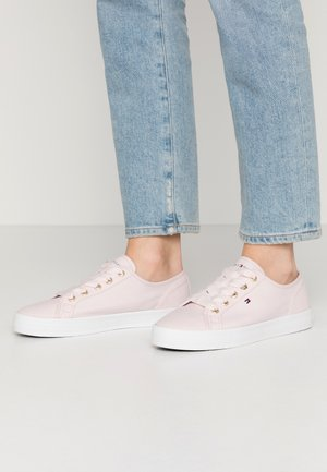 ESSENTIAL NAUTICAL SNEAKER - Trainers - pale pink