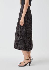PULL&BEAR - Pleated skirt - black - 3